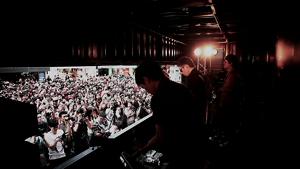黃貫中 -《紅黑》Rockestra Truck Live