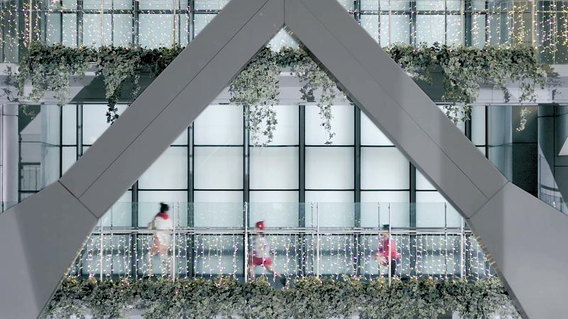 HSBC CNY director's cut